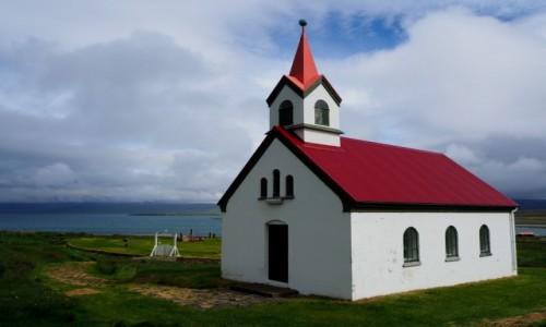 Zdjęcie ISLANDIA / Fiordy zachodnie / Fiordy zachodnie północne / Kościółek