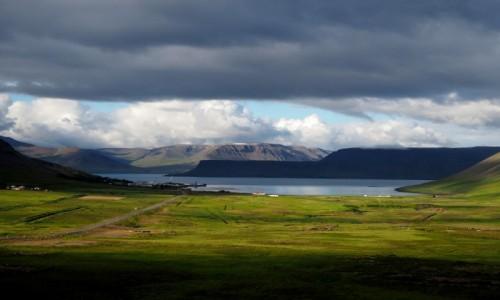 ISLANDIA / Fiordy zachodnie / okolice Bildudalur / kolejny fiord