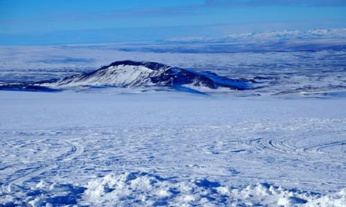 ISLANDIA / zachodnia Islandia / okolice lodowca Langjökull / Zimowa Islandia