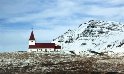 Zdjecie ISLANDIA / Wybrzeże południowe / . / Kościół w Vik