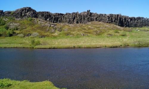 Zdjecie ISLANDIA / Thingvellir / Thingvellir / Ściana ze skał wulkanicznych