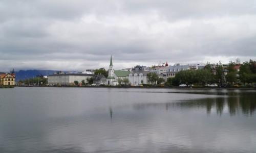 Zdjecie ISLANDIA / Reykjawik / Reykjawik / Groźne chmury nad stolicą