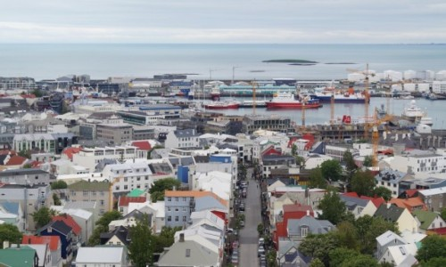 ISLANDIA / Reykjawik / Reykjawik / W stronę morza