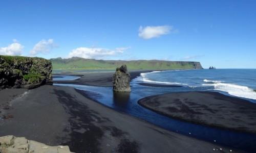 ISLANDIA / południe wyspy / najdalej wysunięta na południe część Islandii / Dyrholaey - czarna plaża