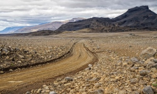 ISLANDIA / srodkowa Islandia / interior / Drogi w interiorze