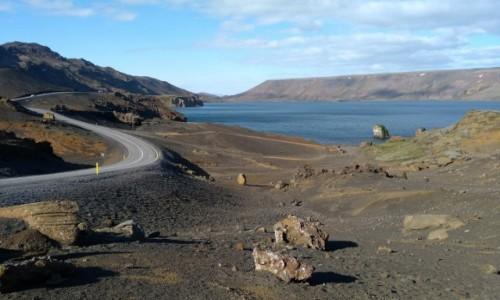 Zdjęcie ISLANDIA / Kleifarvatn / . / Droga nad jeziorem