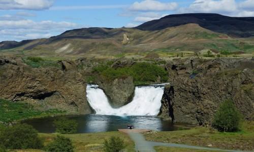 Zdjęcie ISLANDIA / Rzeki Fossa i Pjórsa / Wodospad Hjalparfoss / Romantycznie