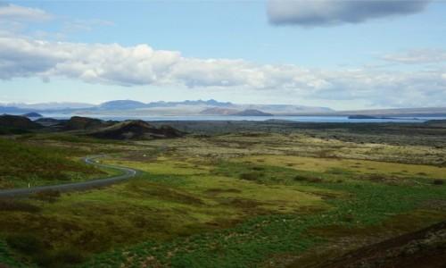Zdjecie ISLANDIA / Reykjavik / Lyngdalsheidi / Do jeziora