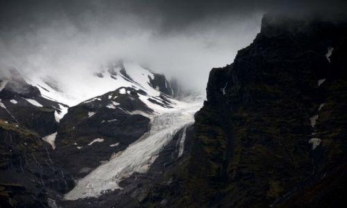 Zdjecie ISLANDIA / brak / Svinafell / Jezor lodowca w gorach