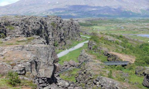Zdjecie ISLANDIA / Południowa Islandia / Pingvellir - Park Narodowy / Pingvellir - szczelina Almannagja