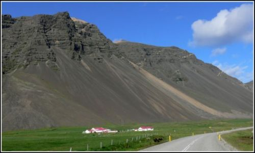 Zdjęcie ISLANDIA / Islandia poludiowa / W okolicach Vik / Malownicze zbocza