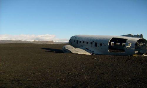 Zdjecie ISLANDIA / brak / Czarna plaża / Samolot