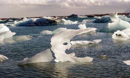 Zdjecie ISLANDIA / poludnie / zatoczka lodowa / lodowe foremki