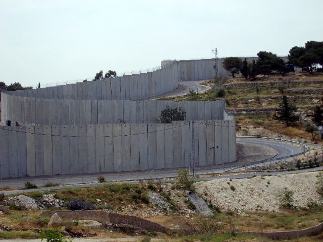 """Zdjęcia: Abu Dis, Palestyna, Mur """"bezpieczeństwa"""", IZRAEL"""