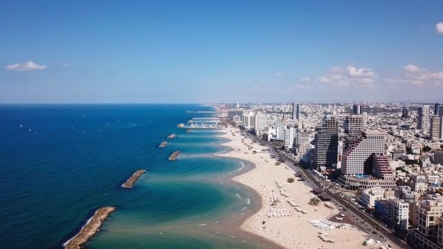 Zdjęcia: Linia brzegowa nad Morzem Śródziemnym w pobliżu Tel Awiwu , ---, Tel Awiw, IZRAEL