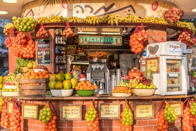 Zdjęcia: Sklepik ze świeżymi sokami przy bulwarze Ben Guriona , ---, Tel Awiw, IZRAEL