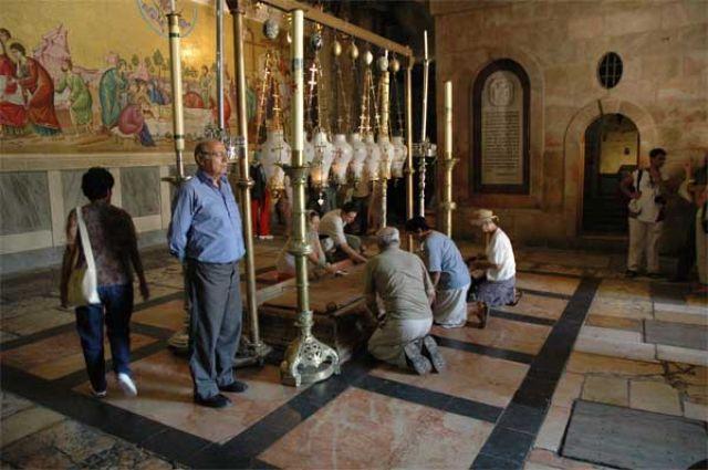 Zdj�cia: Jerozolima  Bazylika Grobu �wi�tego, Kamie� Namaszczenia, IZRAEL