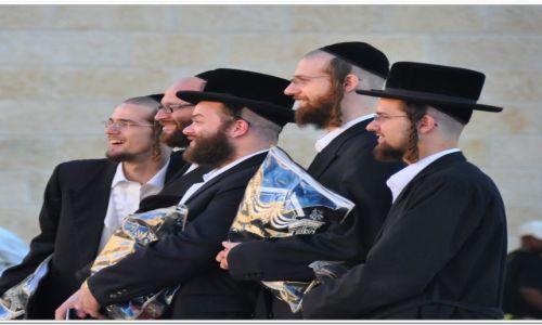 Zdjecie IZRAEL / - / Jerozolima, Ściana Płaczu / Pożegnalne zdjęcie pod Ścianą Płaczu na święto Roh ha-Szan.