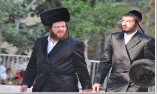 Zdjecie IZRAEL / - / Jerozolima / W drodze na modlitwę dp synagogi.