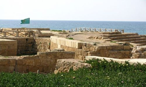 IZRAEL / Wybrzeże Północne / Cezarea / pałac na cyplu
