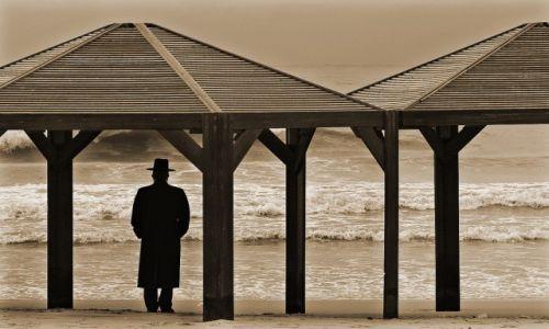 Zdjecie IZRAEL / Tel Aviv / Nad Brzegiem Morza / W zamyśle