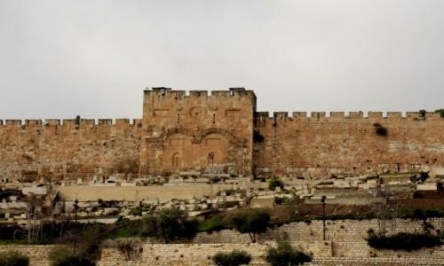 Zdjecie IZRAEL / pomi�dzy Wzg�rzami Jerozolimskimi / Jerozolima / Fragment mur�w