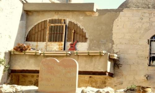 Zdjecie IZRAEL / xxx / Jerozolima / Gitara na balkonie