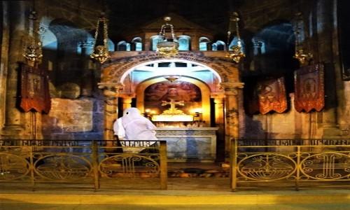 Zdjęcie IZRAEL / Jerozolima / Bazylika Grobu Świętego / Modlitwa