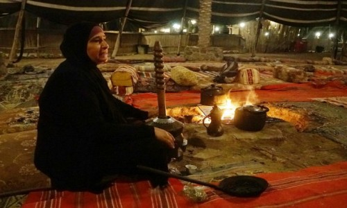 IZRAEL / Pustynia Judzka / Kfar Hanokdim / Beduińska opowieść przy kawie
