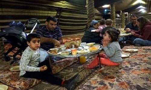 Zdjęcie IZRAEL / Mitzpe Ramon / . / Kolacja u beduinów