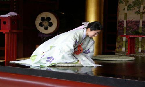 Zdjecie JAPONIA / Kyushu / Dazaifu / Strój wykrochmalony