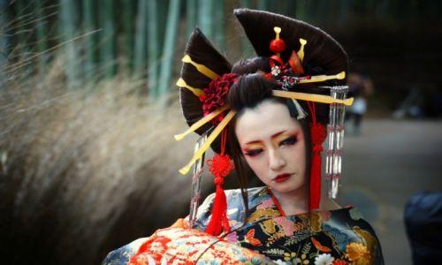 Zdjecie JAPONIA / - / Las bambusowy - okolice Kioto / Gracja, elegancja