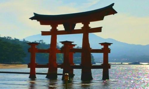 Zdjęcie JAPONIA / HOKKAIDO / MIYAJIMA / TORI GATE