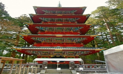Zdjecie JAPONIA / Nikkō / Tōshō-gū / Five-storied Pagoda