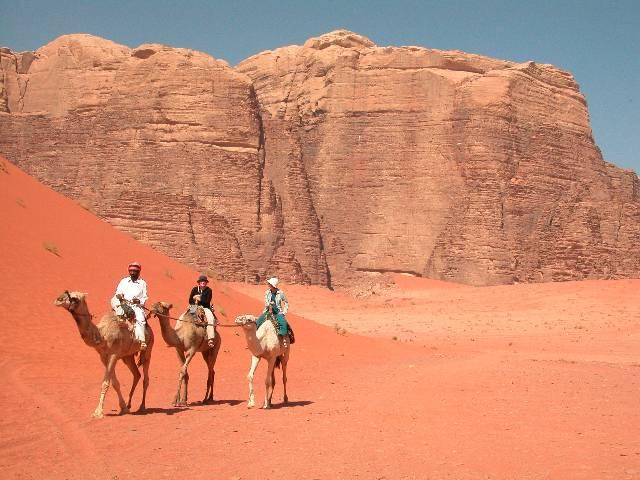 Zdjęcia: Wadi Rum, Wyprawa na wielbłądach, JORDANIA