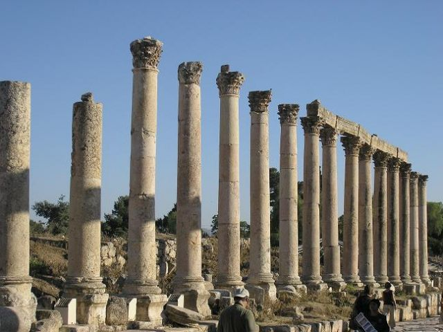 Zdj�cia: Jerash, Kolumny, JORDANIA
