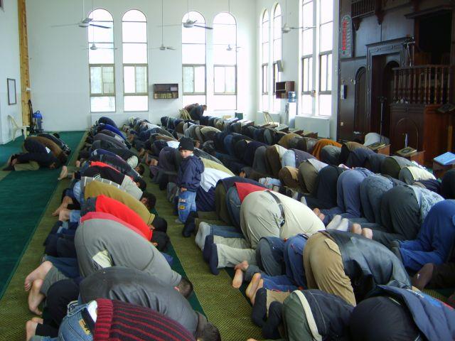 Zdj�cia: Amman, Przy modlitwie w Meczecie, JORDANIA