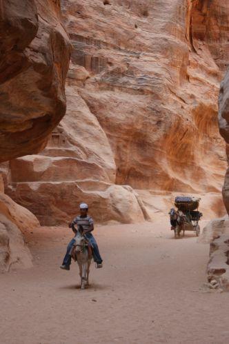 Zdjęcia: Petra, w drodze do skarbca, JORDANIA