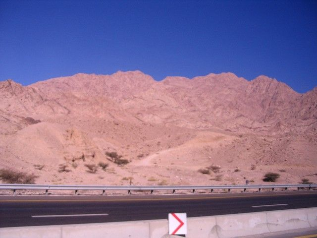 Zdjęcia:  pomiędzy  Akabą a Petrą,  płd-zach Jordania muhafaz Maan,, drogi Jordanii, JORDANIA