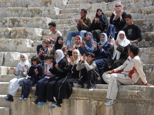 Zdjęcia: Dzerasz, arabska rodzinka, JORDANIA