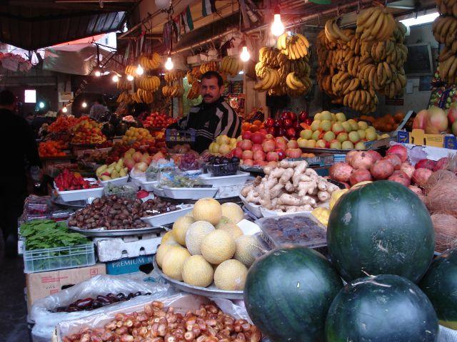 Zdjęcia: Amman, stragan z owocami, JORDANIA
