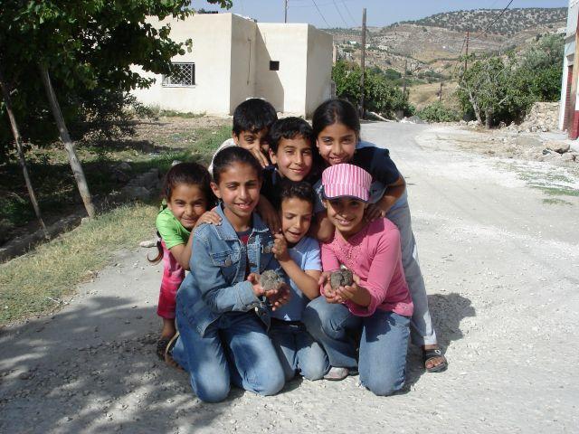Zdjęcia: Iraq al Amir, dzieciaki, JORDANIA