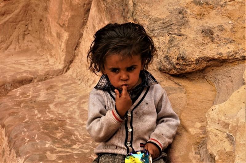 Zdjęcia: Petra, Petra, Dziecięca zaduma , JORDANIA