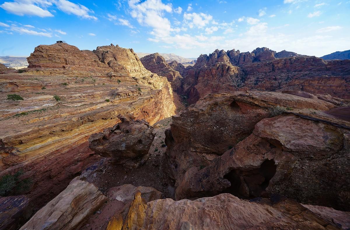 Zdjęcia: Petra, Muhafaza Ma'an , Ścieżki wśród skał, JORDANIA