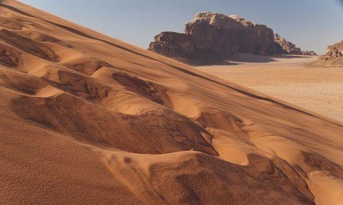 Zdjecie JORDANIA / Wadi Rum / pustynia / wydma...