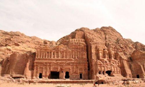 Zdjecie JORDANIA / petra / petra / Petra-grobowce wykute w skale