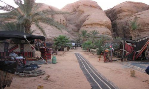 JORDANIA / Południowa Jordania / Wadi Rum / Hotel na pustyni