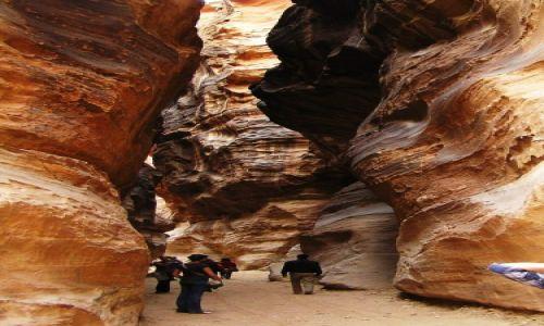 Zdjęcie JORDANIA / Petra / Skalne miasto / Bajeczne kolory skał