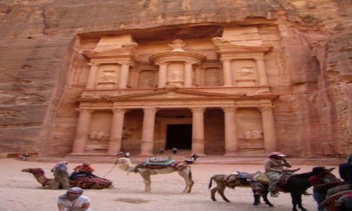 JORDANIA / Petra / wawóz / tam, gdzie kręcono film Indiana Jones...