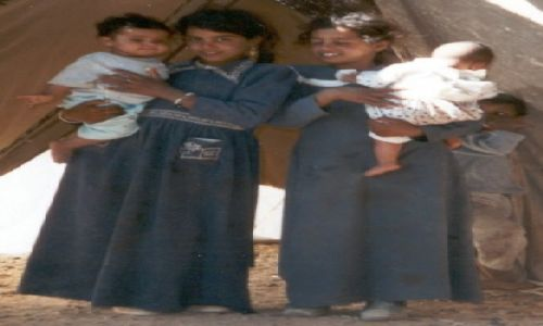 Zdjecie JORDANIA / pustynia / namiot bedui�ski / SIOSTRY, A JEDN
